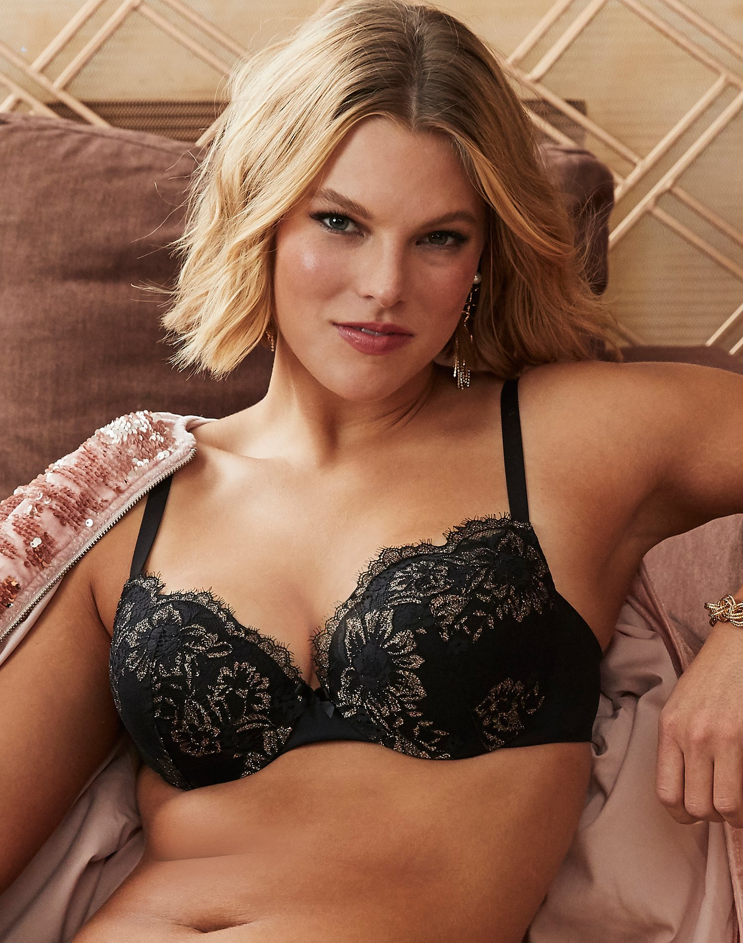Maidenform Full Fit Underwire Comfort Devotion Smoothing Lace Nude Unlined 38DD